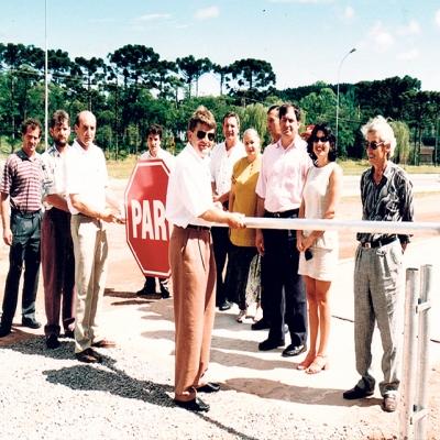 Em 28 de dezembro de 1996, ocorreu a inauguração da Balança Pública Municipal. O equipamento foi instalado em frente à Escola Estadual Horácio Borghetti, ao lado do pórtico de entrada da cidade. A obra custou R$ 30 mil aos cofres públicos municipais, sendo 20 mil em equipamentos e o restante em mão de obra e instalação.