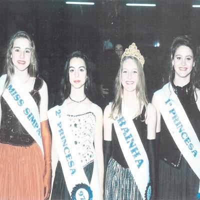 As ganhadoras da escolha da Rainha do Grêmio Esportivo Rosário de Nova Roma no ano de 1997 foram: rainha Patrícia Orso, princesas Cíntia Pedron e Sergiane Pradella, e Miss Simpatia Gláucia Zen.