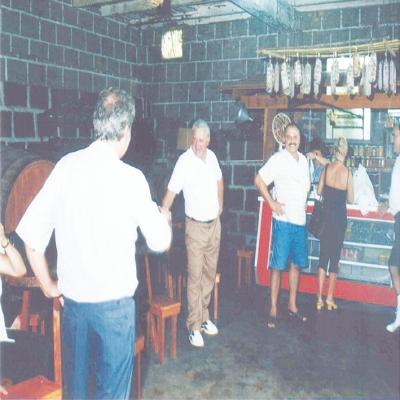 O Parreiral Tur foi um atrativo que incrementou a Feira da Vindima de 2000. O passeio turístico era destinado aos visitantes do evento por áreas do interior do município. Nas propriedades rurais e vinícolas os turistas podiam degustar de uvas, vinhos, frutas e produtos coloniais.