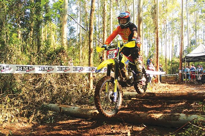 Leandro divide a liderança da categoria Iron com a mesma pontuação do piloto Cristhyan Grubert, de São Leopoldo.