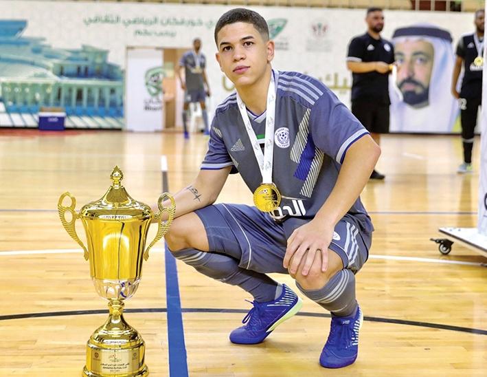 Defendendo as cores do Al Nasr, o florense sagrou-se campeão da Emirates Cup.